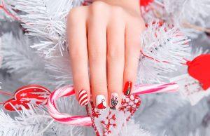Праздник в деталях: 10 трендов новогоднего маникюра