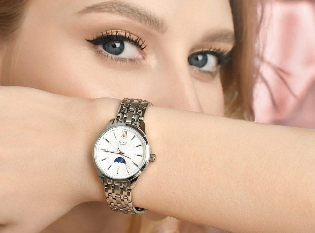 Летнее время: какие часы носить в новом сезоне