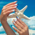 Солнце в твоих руках: 10 трендов летнего маникюра 2021