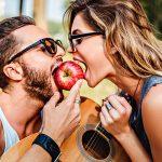 Кто ты в любовных отношениях: альфа, бета, гамма или омега
